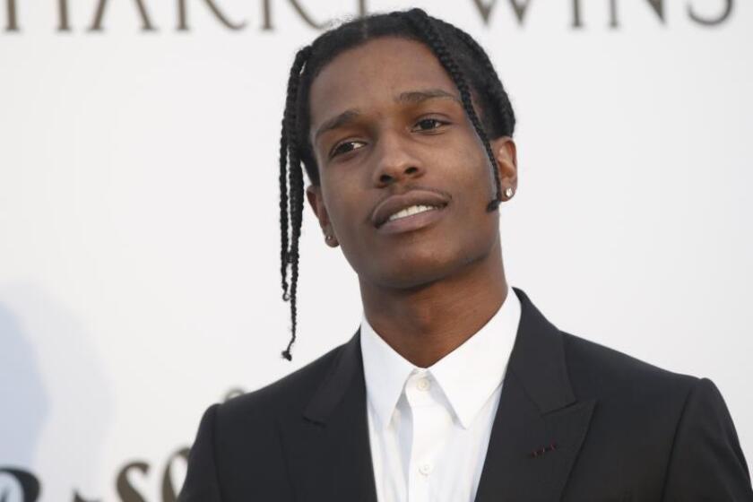 El rapero estadounidense A$AP Rocky asiste a la gala amfAR 2017, el cine contra el SIDA, celebrada el jueves 25 de mayo de 2017, en el marco de la 70? edición anual del Festival de Cannes, en el Hotel du Cap, Eden Roc en Cap d'Antibes (Francia). EFE/GUILLAUME HORCAJUELO/Archivo