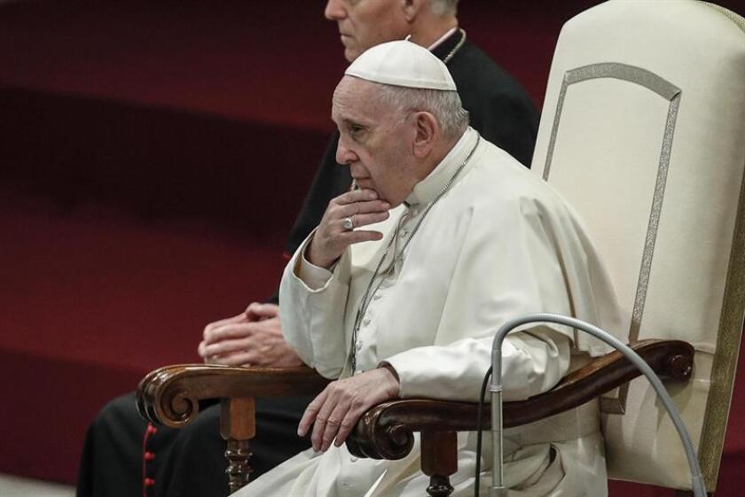 El papa Francisco preside su tradicional audiencia general de los miércoles en la sala Nervi, en el Vaticano. EFE/Archivo