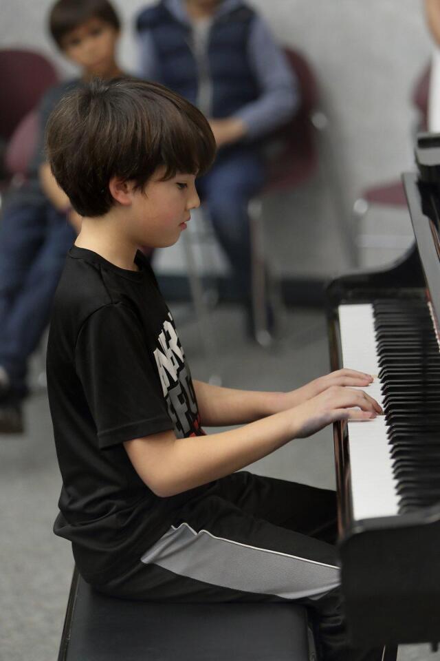 """Adam Wu plays """"Prelude in C Major"""""""