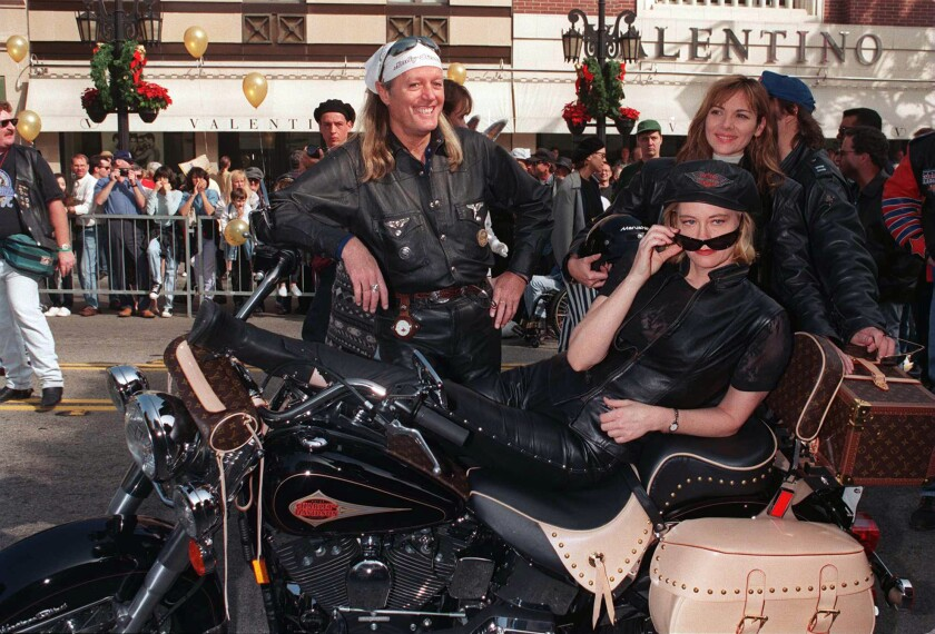 11/26/95. BEVERLY HILLS CA, CYBIL SHEPHERD, PETER FONDA AND HIS WIFE AT A SPECIAL HARLEY DAVIDSON EV