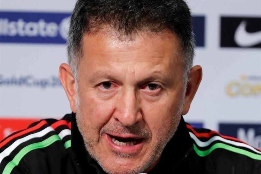 El seleccionador de México, el colombiano Juan Carlos Osorio, dijo este jueves que México tiene el mismo derecho de aspirar a ser campeón del mundo de cualquier otro país y espera que el Tricolor sea uno de los equipos sorpresa en la Copa del Mundo Rusia 2018. EFE/ARCHIVO