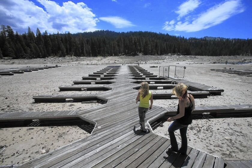 A dry marina at Huntingdon Lake near Fresno, California in 2014. Photo credit Mark Boster / L.A. Times