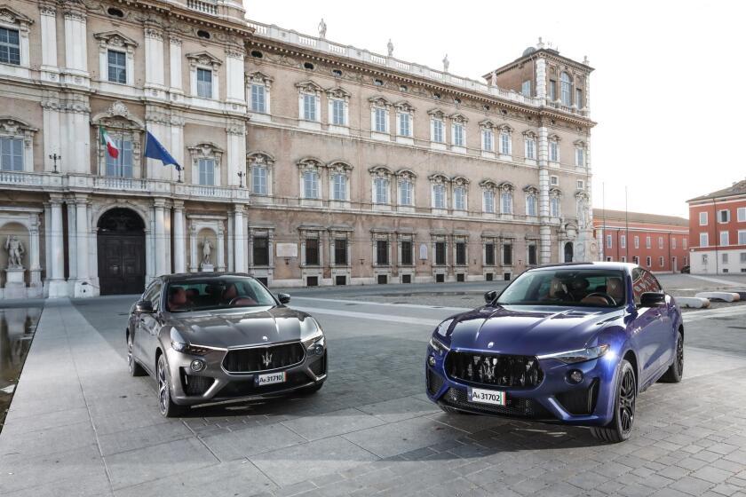 Medium-16342-MaseratiLevanteGTSandTrofeoPiazzaRomaModena2019.jpg