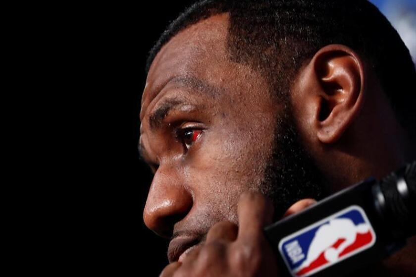 El flamante jugador de Los Angeles Lakers de la NBA LeBron James negocia protagonizar una comedia para el estudio Paramount, según reveló hoy el medio especializado Variety. EFE/LARRY W. SMITH PROHIBIDO SU USO POR SHUTTERSTOCK