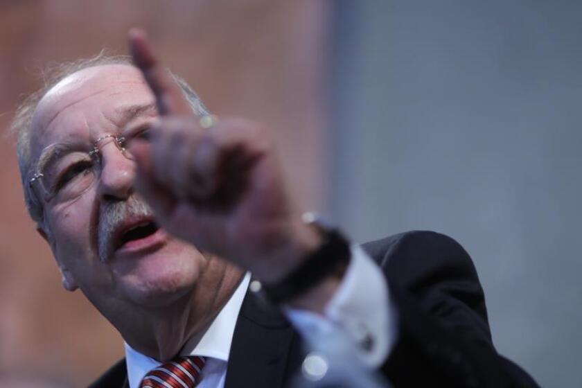 Defensa de exdirector Pemex pide que declare Peña Nieto en caso de corrupción