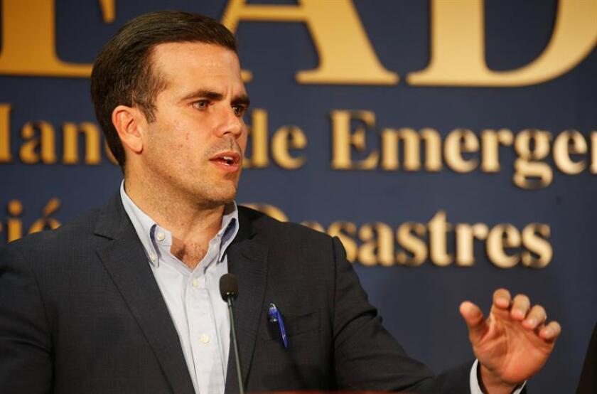 El gobernador de Puerto Rico, Ricardo Rossello, habla durante una rueda de prensa. EFE/Archivo