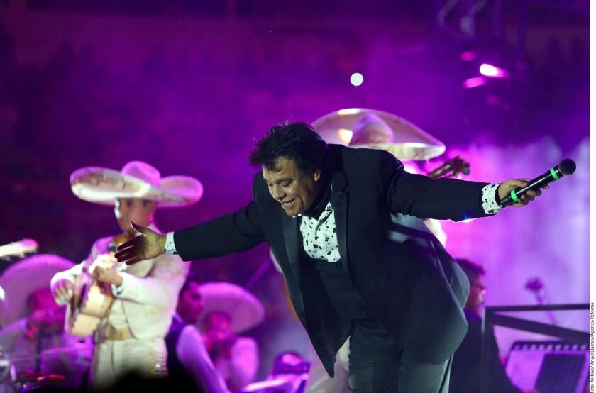 De acuerdo con el sitio Celebrity Networth, la herencia del cantante Juan Gabriel asciende a alrededor de 30 millones de dólares.