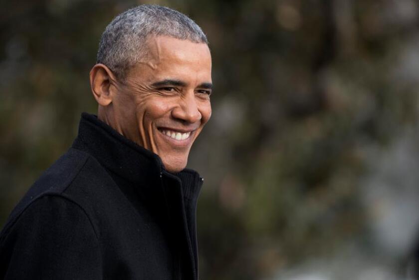 """El presidente, Barack Obama, cree que su sucesor, Donald Trump, no podrá improvisar en la Casa Blanca como lo hizo durante su campaña electoral, y opina que el proceso de transición al poder que ha liderado el magnate inmobiliario ha sido """"atípico"""" en muchos sentidos. EFE/EPA/ARCHIVO"""