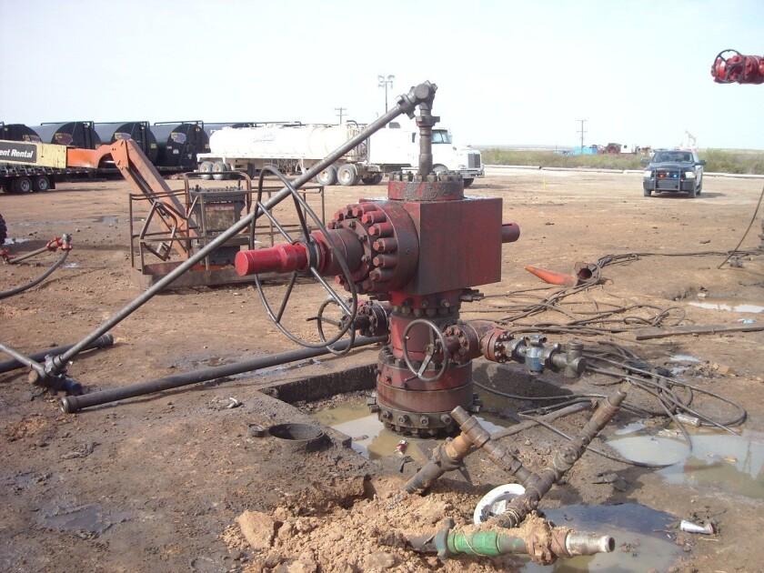 Oil wellhead