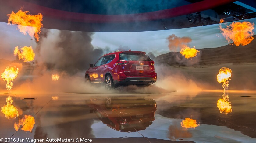 """Nissan """"Rogue One: A Star Wars Story"""" 2017 Rogue & pyrotechnics"""