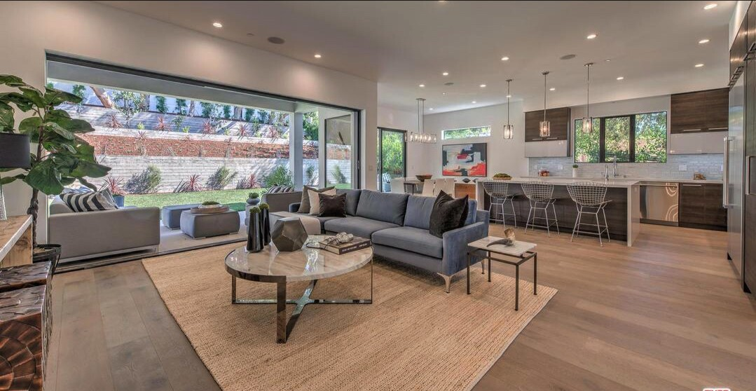 Marshall Lewy's modern estate in Palms   Hot Property