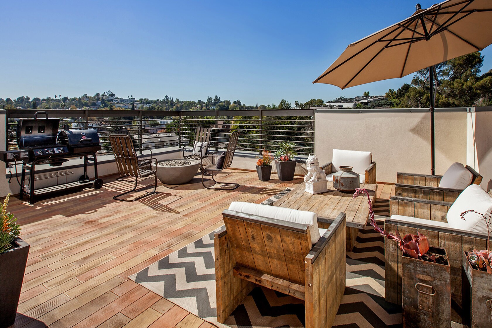 Rooftops Are The New Backyards Los Angeles Times