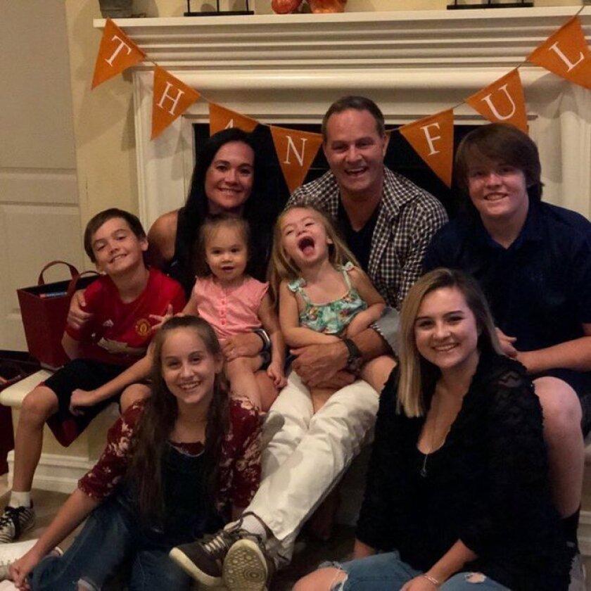 Wynalda junto a su familia.