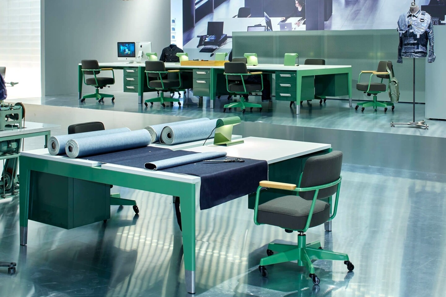Modern Design Fauteuil.The Prouve Raw Office Edition Is Modern Classic Design Los