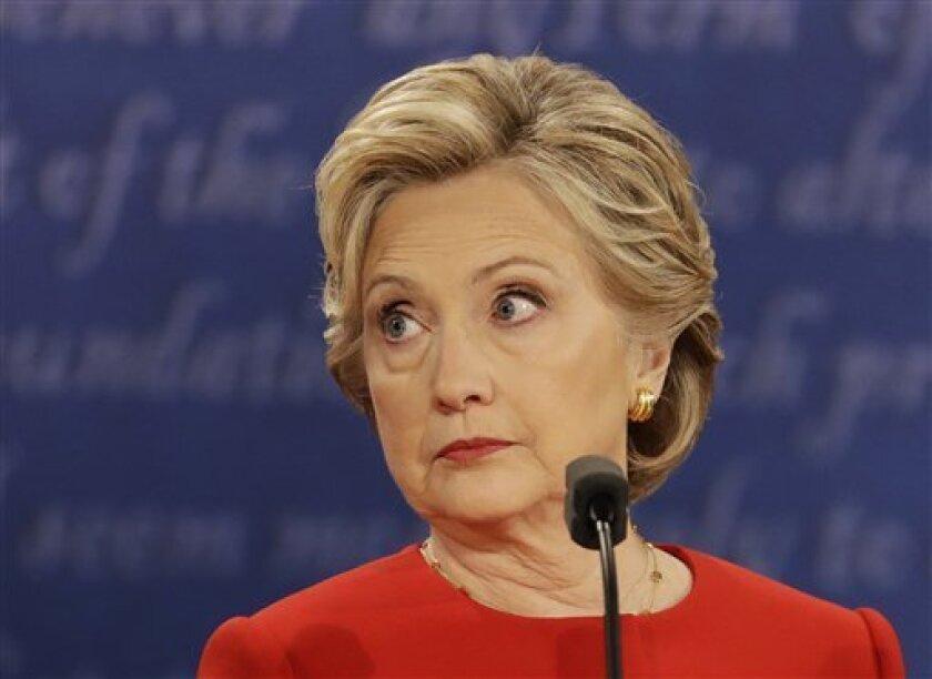 La candidata demócrata a la Casa Blanca, Hillary Clinton, recibirá hoy el apoyo del histórico exsenador republicano por Virginia John Warner (1979-2009), informó su campaña al The Washington Post.
