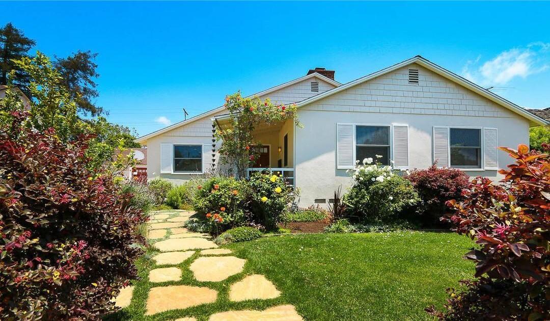 Joshua Malina's Mar Vista abode   Hot Property