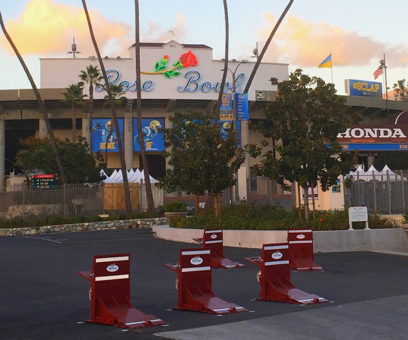 Rose Bowl barricades