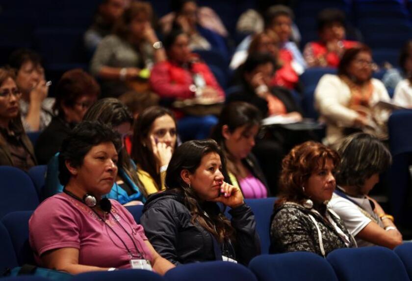 El informe, presentado por la Universidad de California San Francisco (UCSF), atribuye al segundo cromosoma X que las mujeres tienen en relación con los hombres, la posible causa de la longevidad femenina y otras ventajas fisiológicas. EFE/Archivo