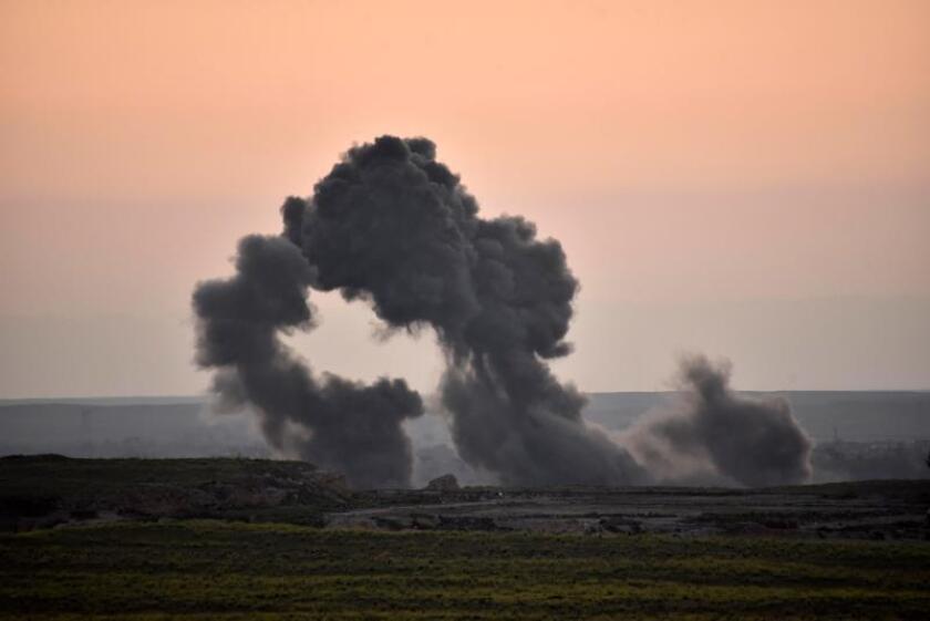 El Mando Central de las Fuerzas Armadas (CentCom) confirmó que ha llevado a cabo este sábado un bombardeo contra líderes de Al Qaeda en la provincia siria de Idlib, en el norte del país árabe. EFE/Murtaja Lateef/Archivo