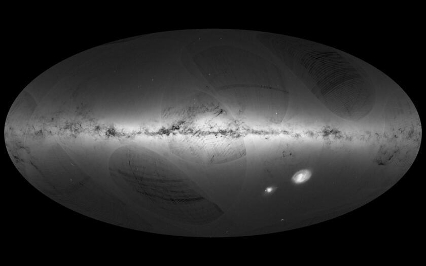 Esta foto proveída por la Agencia Espacial Europea (ESA) muestra una vista de las estrellas en nuestra galaxia y galaxias vecinas, basada en el primer año de observaciones del satélite Gaia desde julio del 2014 hasta septiembre del 2015. (ESA/Gaia/DPAC via AP)