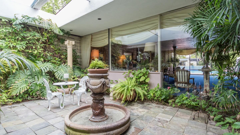 Hot Property | John Cacavas