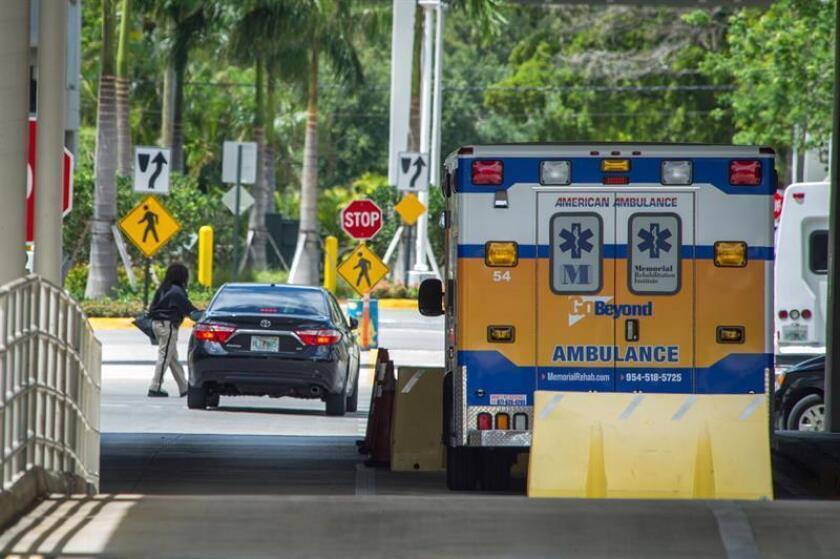 Al menos tres militares del equipo de paracaidistas de los Caballeros Dorados resultaron hoy heridos en una base aérea de Homestead, en el sur de Florida, al parecer en un accidente en paracaídas, informaron medios locales. EFE/Archivo