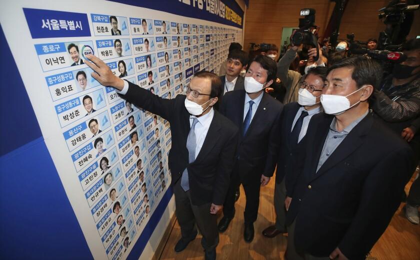 Virus Outbreak South Korean Elections