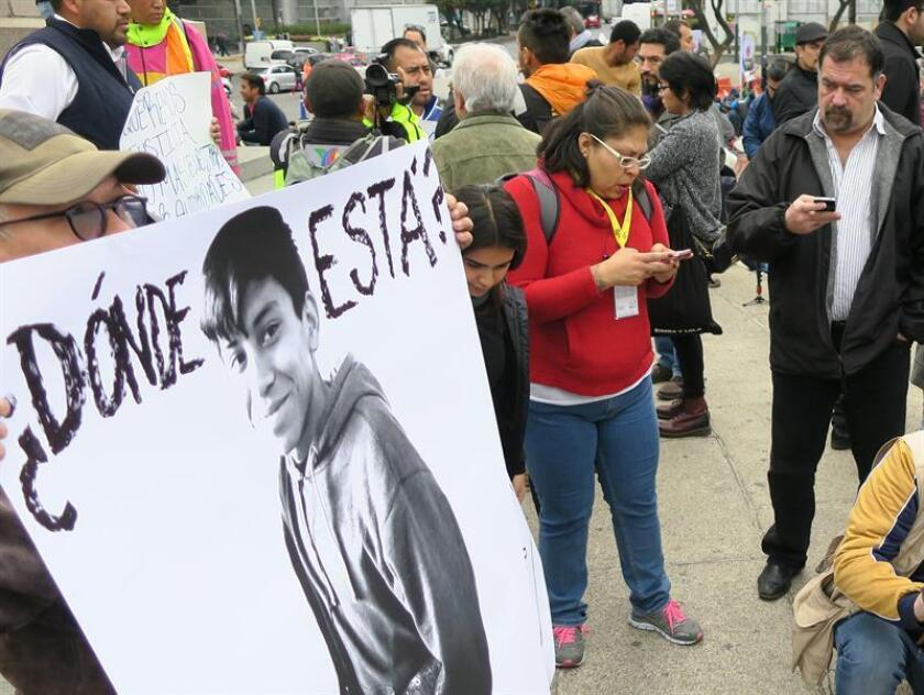 El Gobierno de Ciudad de México está revisando las imágenes de distintas cámaras de videovigilancia para corroborar la versión de los policías que detuvieron al joven Marco Antonio Sánchez, desaparecido durante cinco días, y que argumentaron haberlo dejado libre el mismo día de su detención. EFE/ARCHIVO