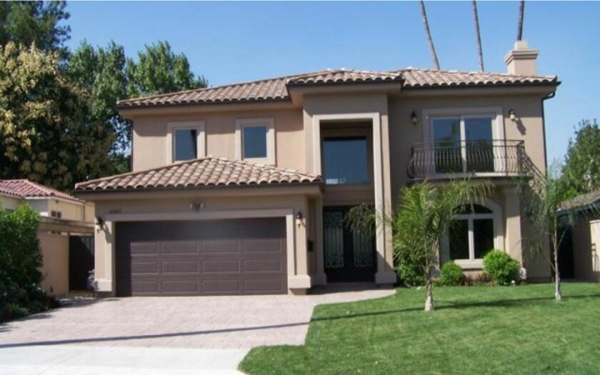 The exterior of Encino home newly sold by Dashon Goldson