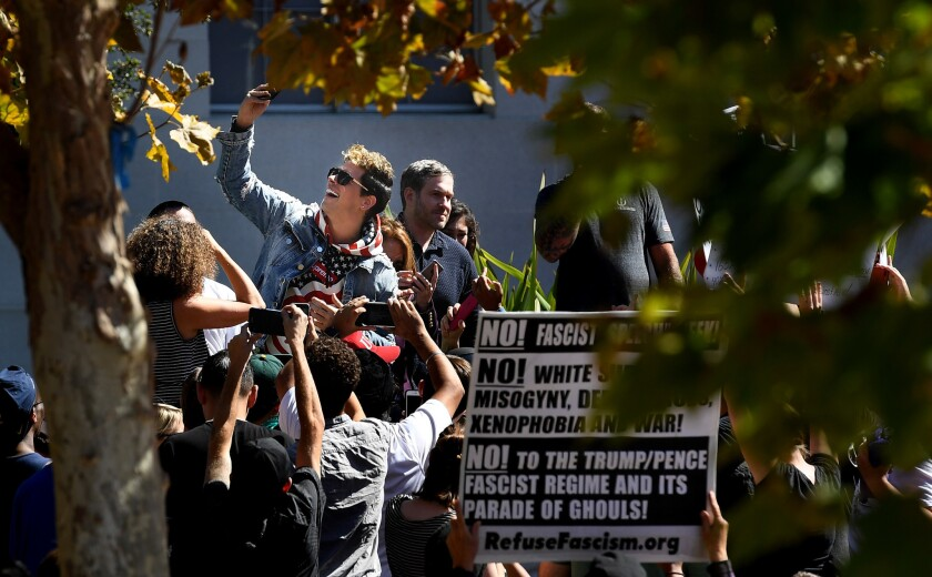 Milo Yiannopoulos confronted by dozens of counter-protesters