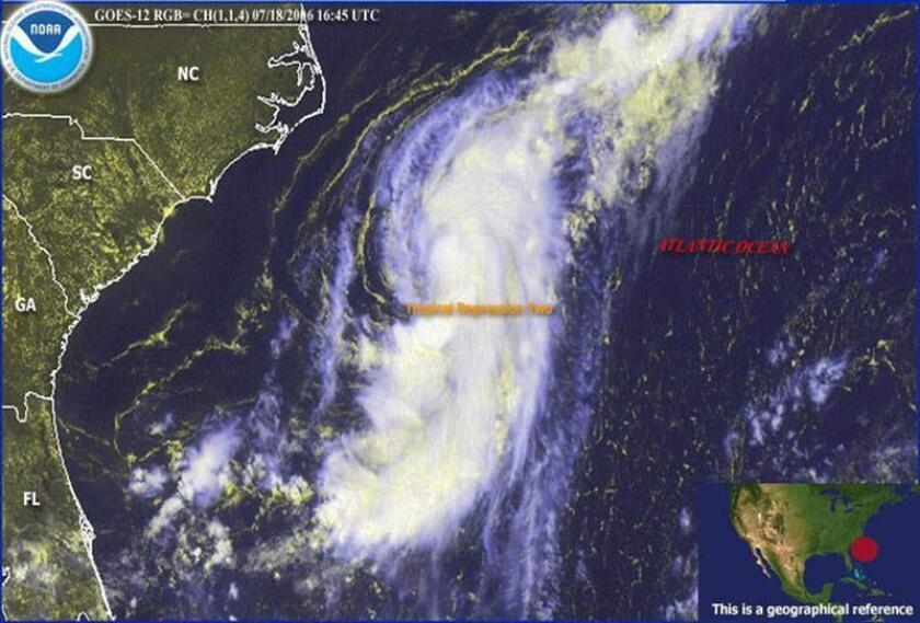 La tercera depresión tropical de la actual temporada de huracanes se formó hoy delante de las costas de Carolina del Norte, en el sureste del país, donde se espera permanezca a lo largo del fin de semana, informó el Centro Nacional de Huracanes (NHC). EFE/NOAA/ARCHIVO