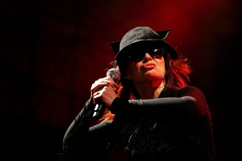Divinyls singer Chrissy Amphlett dies at 53