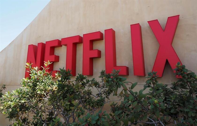 El proveedor de películas y series por internet Netflix ganó 1.077,3 millones de dólares en los primeros nueve meses del año, tres veces más que en el mismo período del ejercicio anterior, superando las expectativas de los analistas. EFE/ARCHIVO