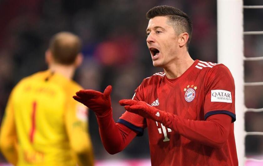 El jugador del Bayern Robert Lewandowski, durante un partido entre el Bayern Múnich y el Leipzig por la Bundesliga alemana, en Múnich (Alemania). EFE/Archivo