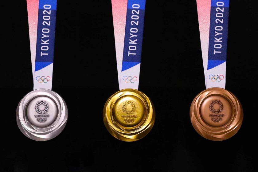 Las medallas de plata, oro y bronce de los Juegos Olímpicos de Tokio 2020.