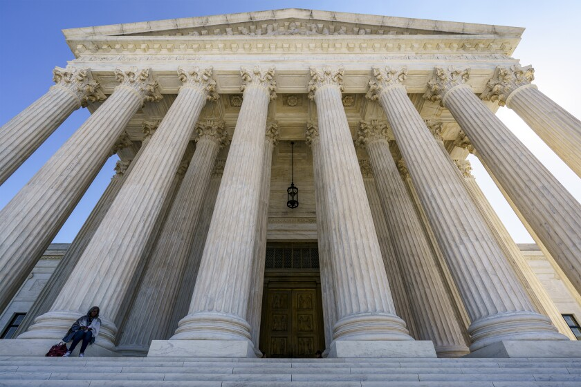 Foto tomada el 7 de octubre del 2020 de la fachada de la Corte Suprema en Washington.