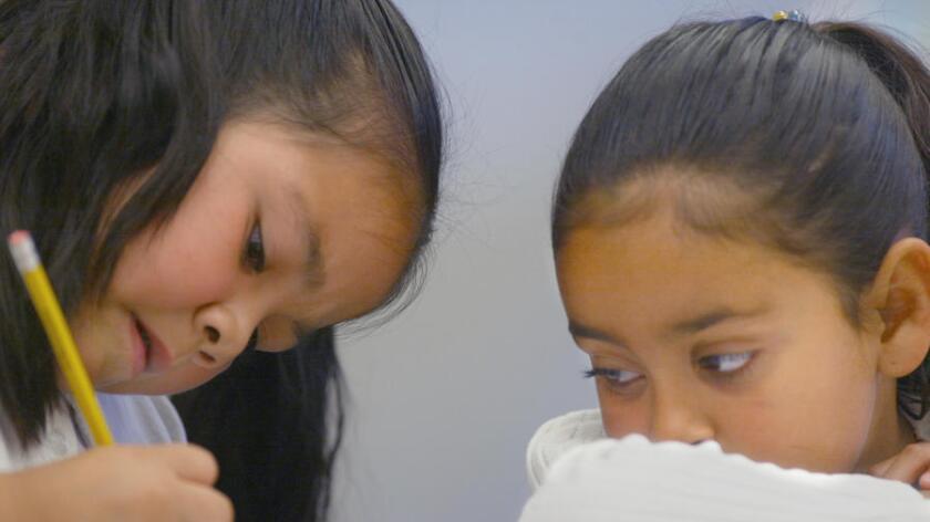 Regresa la educación bilingüe a California, aunque para algunos educadores la pelea apenas inicia