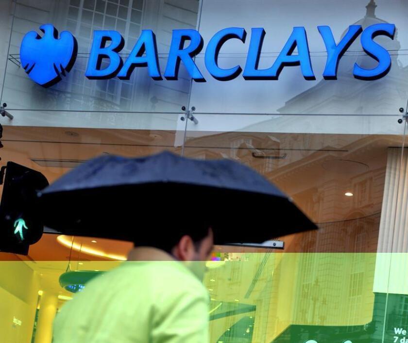 Las autoridades federales demandaron hoy al grupo bancario Barclays por supuestos fraudes en la venta de valores respaldados con hipotecas, que según la acusación habrían causado pérdidas a inversores por valor de miles de millones de dólares. EFE/ARCHIVO