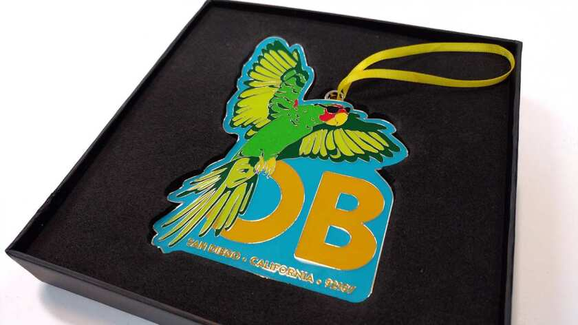 2019-obma-parrot-ornament-in-box-lowres.jpg