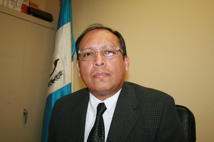 Roberto Archila fue nombrado en mayo pasado cónsul general en San Francisco, California, de donde fue trasladado a Los Ángeles, para que se hiciera cargo de la oficina gubernamental desde el 2 de noviembre de 2015.