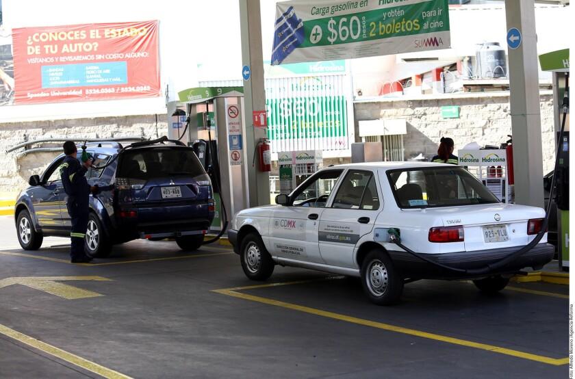 El Gobierno federal ha encontrado en el impuesto a la gasolina un remedio para amortiguar la caída de los ingresos petroleros y el próximo año pretende recaudar por ese concepto 284 mil 432.3 millones de pesos, el monto más alto desde el sexenio anterior.