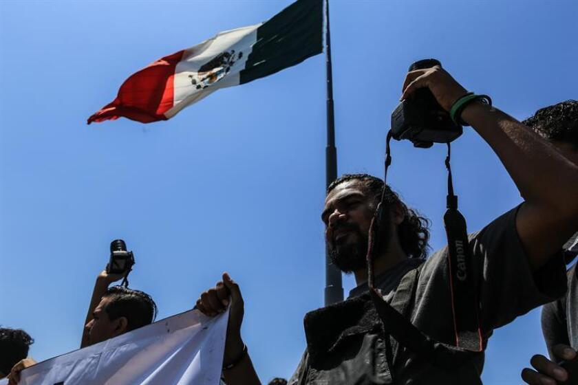El periodista mexicano Sergio Martínez, dueño y editor del semanario local Enfoque, fue asesinado hoy a tiros en un ataque en el que su esposa resultó herida, informó el gobierno del suroriental estado mexicano de Chiapas. EFE/ARCHIVO