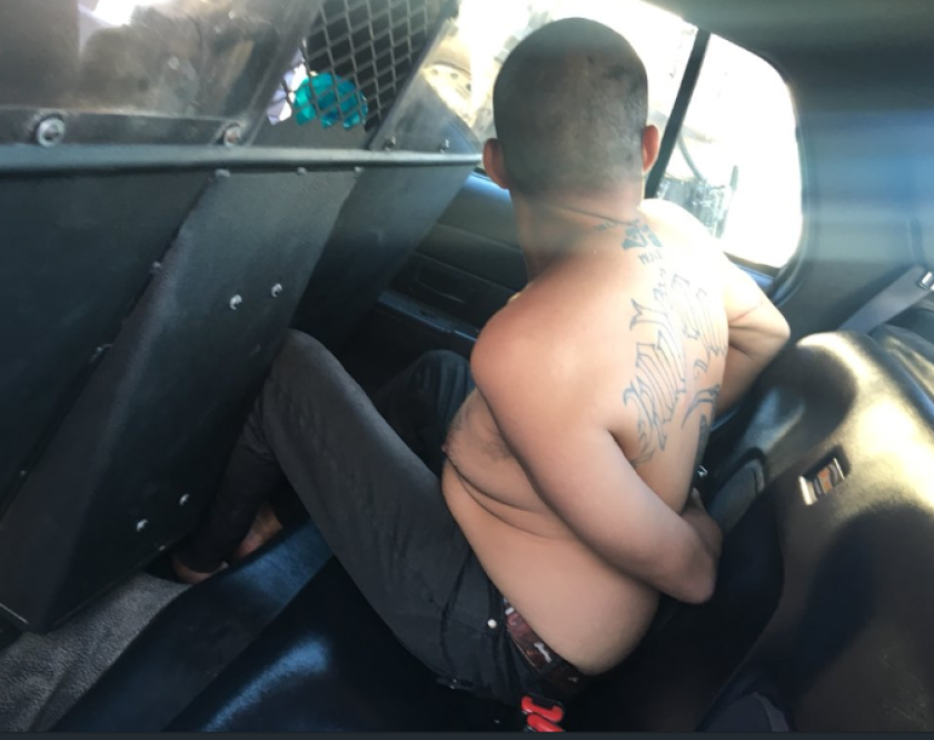 Criminal se hace pasar por policía y una 'héroe' le compra tacos: Lo que sucedió después
