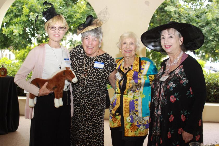 womans-club-hat-party-3-20190801