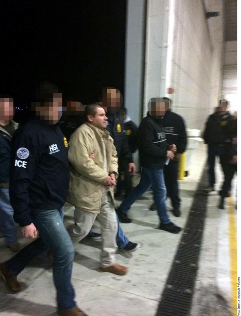 """México concedió a EU su consentimiento para que """"El Chapo"""" Guzmán sea llevado ante la Corte Federal del Distrito Este de Nueva York por 17 cargos criminales más, como delincuencia organizada, asociación, tráfico de armas, lavado de dinero y conspiración para elaborar y distribuir cocaína."""