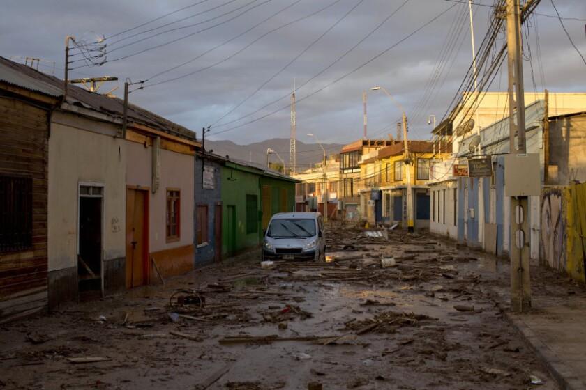 Una calle en Chanaral, Chile, que resultó seriamente afectado por las intensas lluvias que azotaron el desierto de ese país.