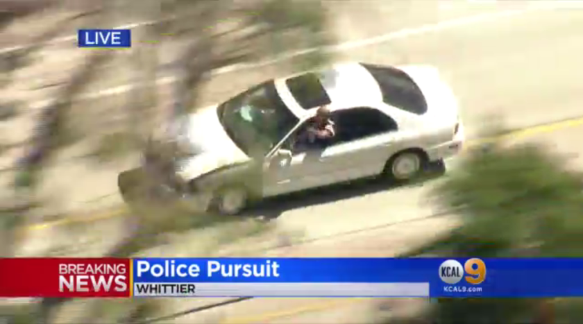 Watch the ingenious way this driver briefly escaped a police