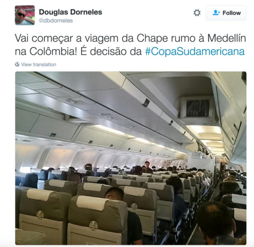 Este es el tuit de Douglas Dormeles en el momento de partir en un vuelo comercial hacia Santa Cruz de la Sierra.
