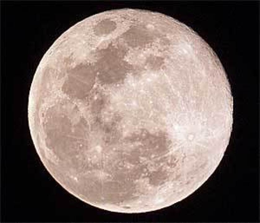 For decades, the moon had been considered a dead and uninteresting world by scientists.
