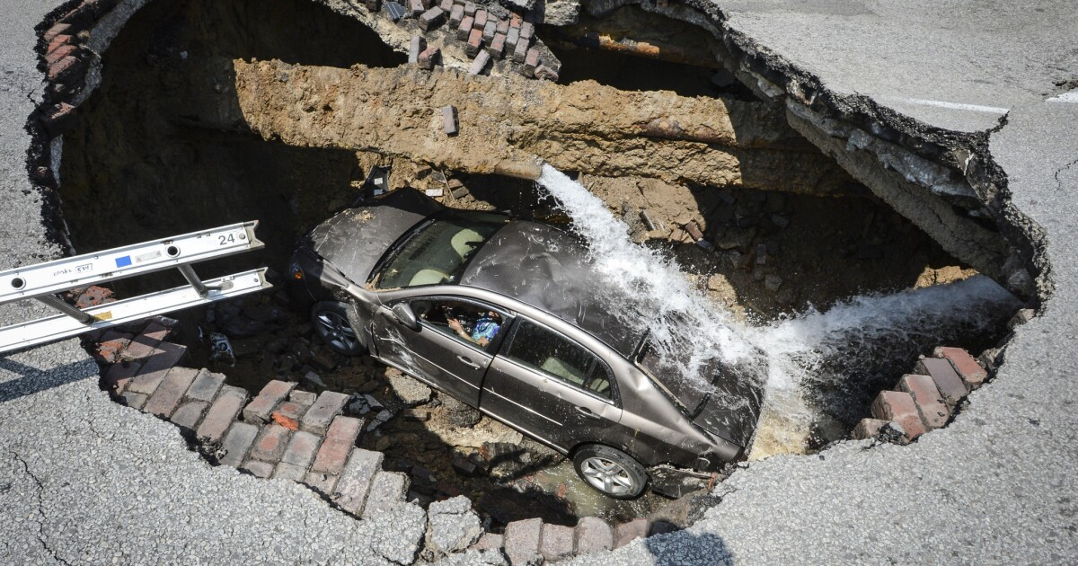 Woman saved from sinkhole in Toledo, Ohio, describes rescue